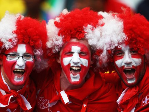 Fans-Spain-Switzerland-World-Cup-2010-Group-H_2466439
