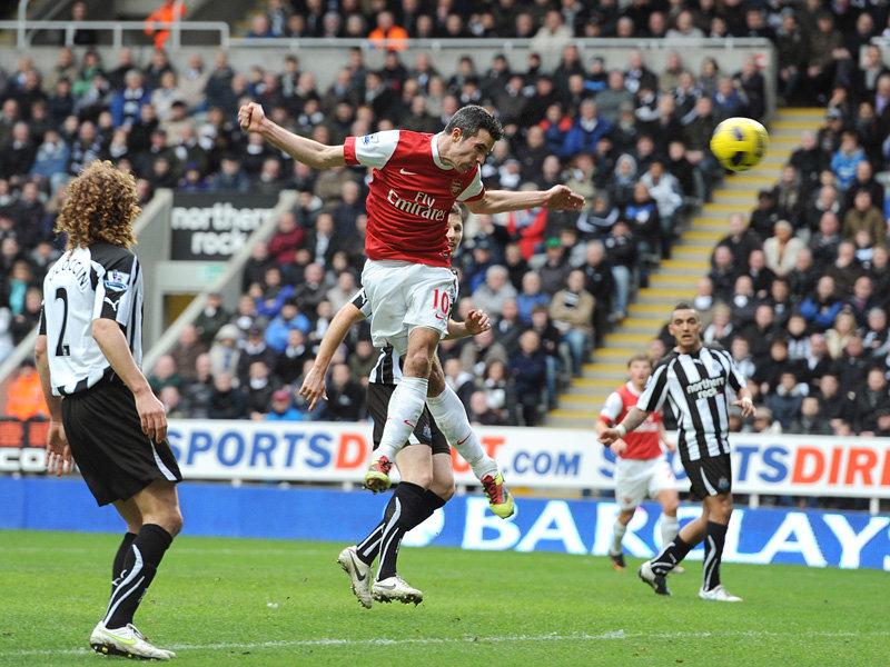 Robin-van-Persie-Arsenal-Premier-League-PA2_2559100