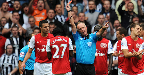 Peter-Walton-Gervinho-Newcastle-United-Arsena_2635788