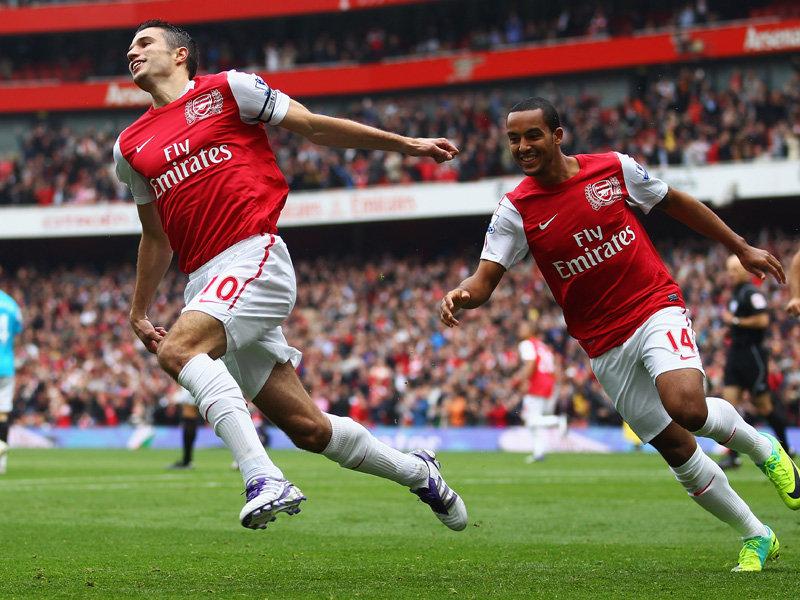 Arsenal-v-Sunderland-Robin-van-Persie-celeb_2666193