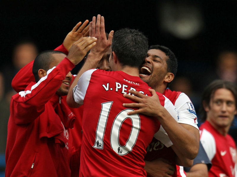Robin-Van-Persie-Fourth-Goal-Chelsea-vs-Arsen_2671841