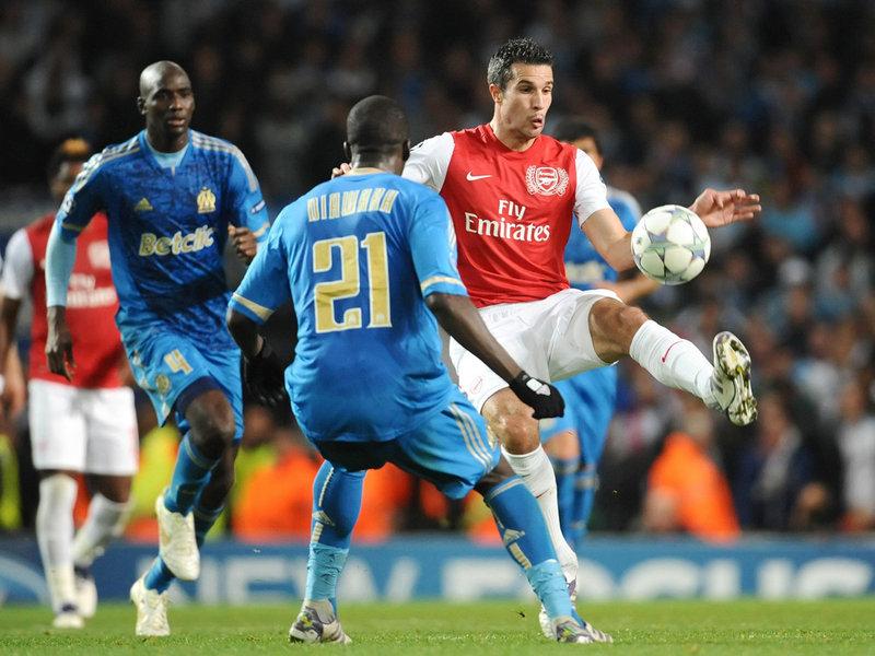 Arsenal-v-Marseille-Robin-van-Persie_2673120