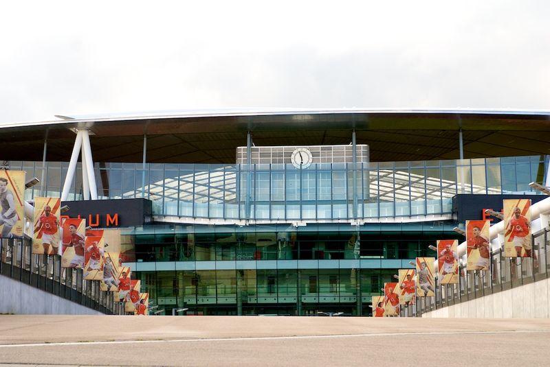 Stadium 10