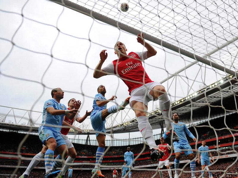 Arsenal-v-Manchester-City-Robin-van-Persie-ef_2746532